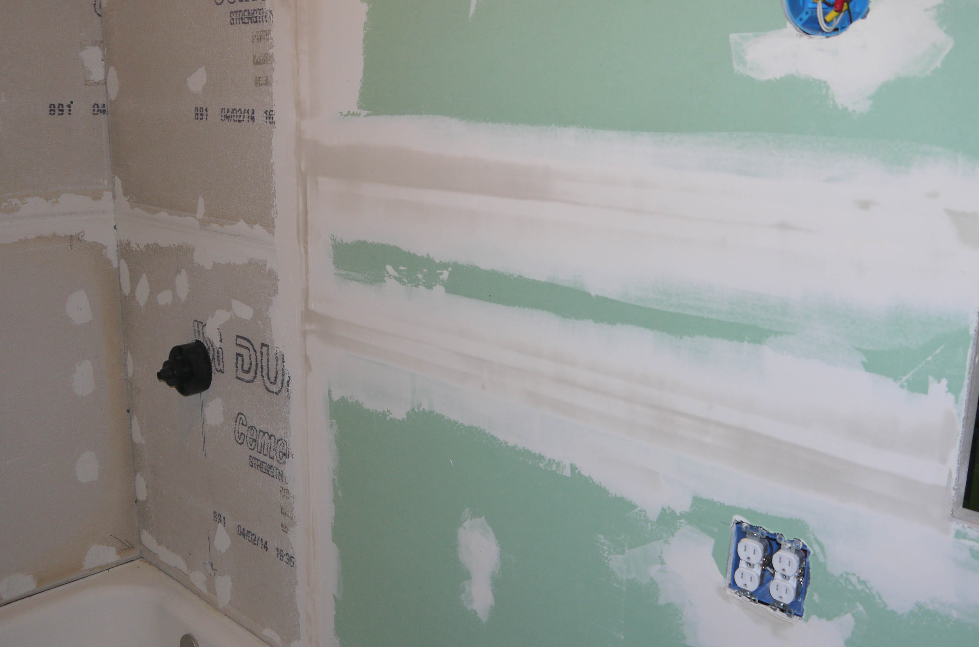 Yellow Gypsum Board : Mud wrestling and how the ceiling turned yellow up